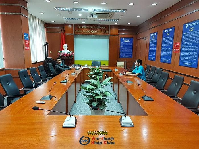 Hệ thống âm thanh phòng họp hội nghị trường đại học Ngân Hàng